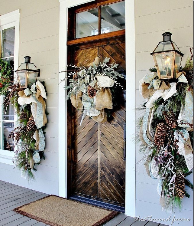1 Christmas Front Door Decor Ideas. Via Thistle Wood Farms.