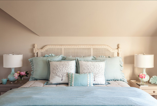 Bedroom Bedding. Bedding ideas. #Bedding #BedroomBedding #BeddingIdeas #BeddingDesign