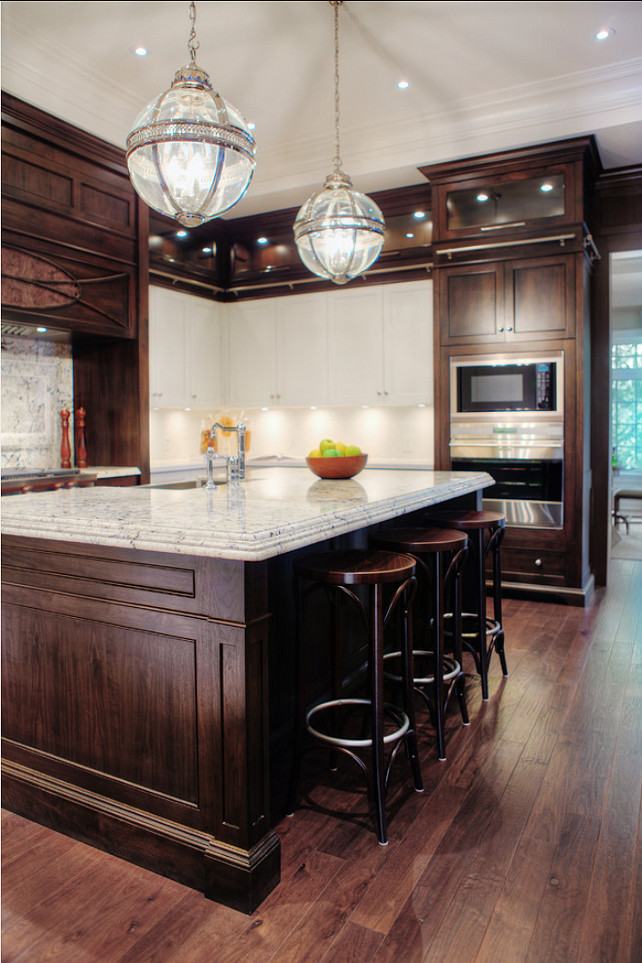 Transitional Kitchen Design. Beautiful transitional kitchen. #Kitchen #Transitional  #TransitionalKitchen