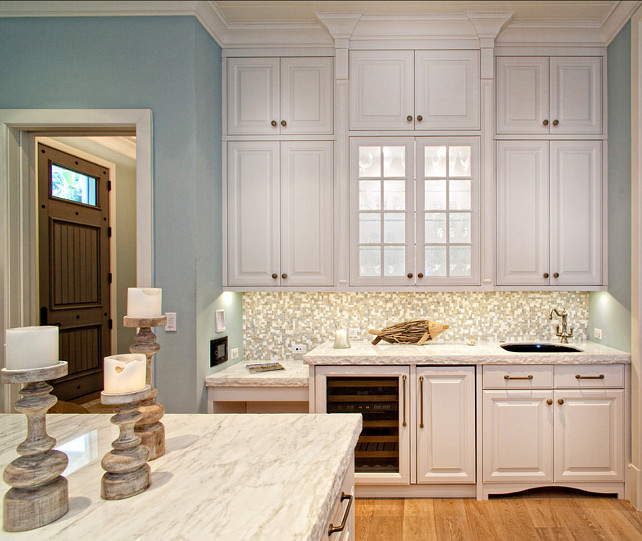 Kitchen Cabinets. White Kitchen Cabinets. Classic Kitchen cabinets.