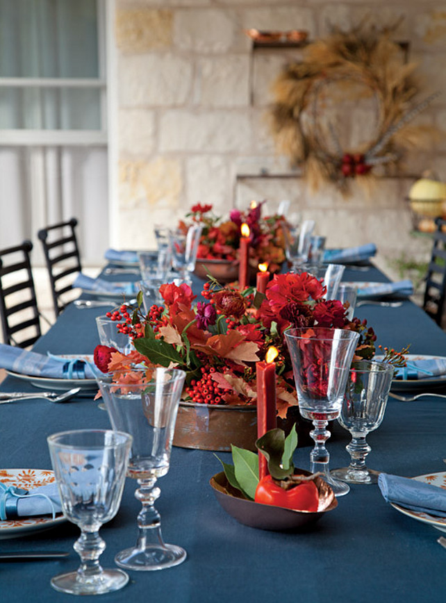 Christmas Table Decor Ideas. #ChristmasTableDecor Via Victoria Magazine.