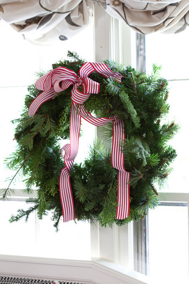 Christmas Wreath. Classic Christmas Wreath. Easy Christmas Wreath Ideas. #Chirstmas #Wreath Tobi Fairley Interior Design.