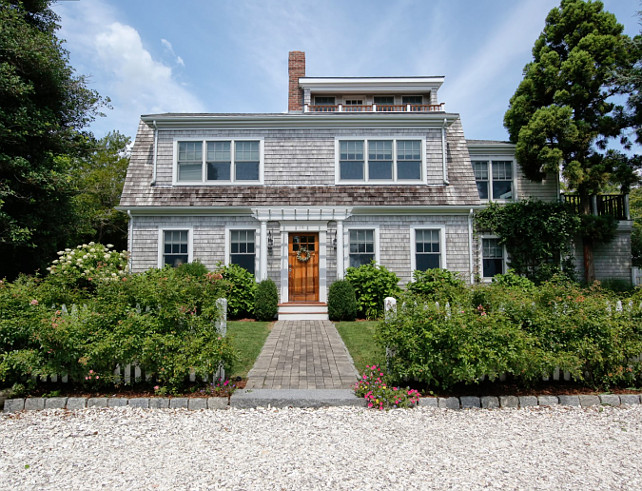 Cottage. Shingle Style Cottage. #Cottage #ShingleCottage #CottageDesign Nantucket Shingle Cottage. Via Sotheby's Homes.