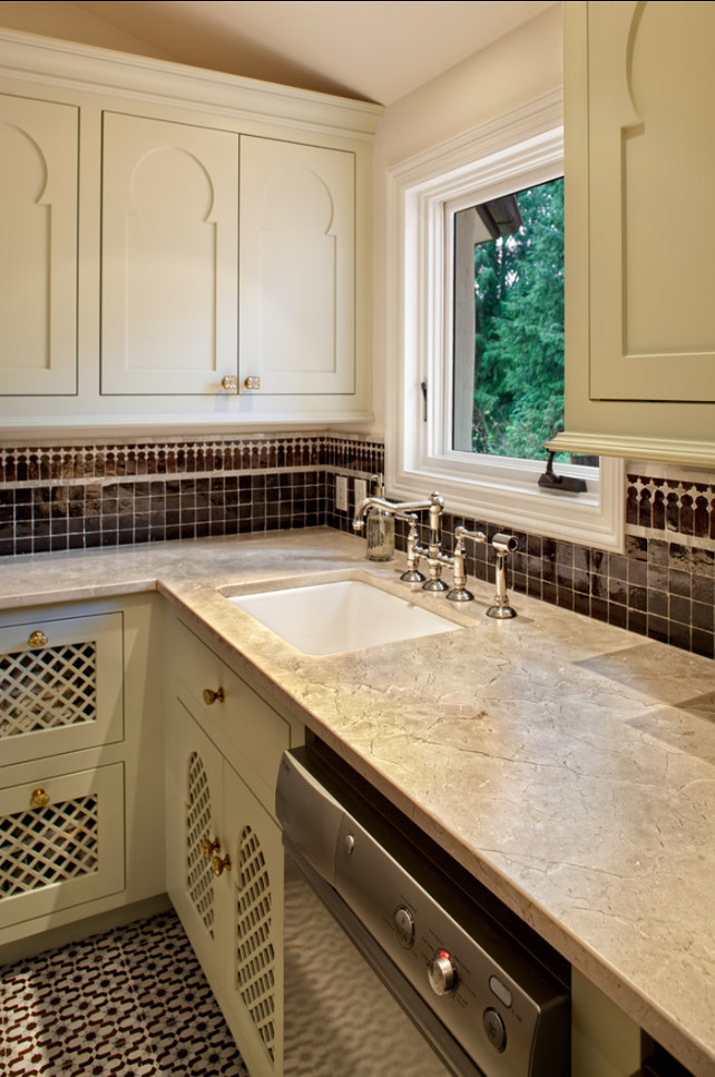 Laundry Room. Laundry Room Design. Moroccan Style Laundry Room. The countertop in this laundry room is 2 cm Polished Crèma Marfil Marble. #LaundryRoom #LaundryRoomDesign #LaundryRoomDesignIdeas