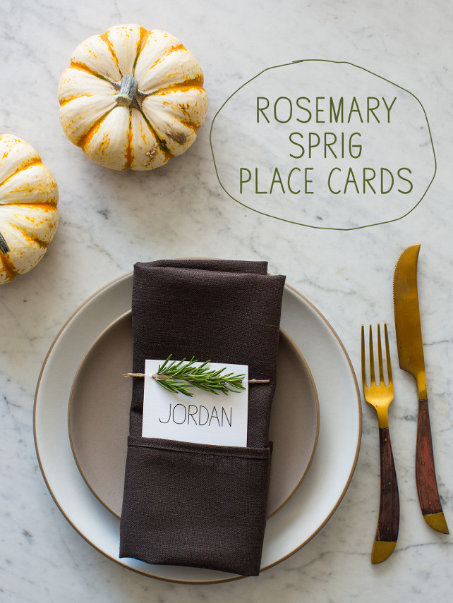 Easy Thanksgiving Place Cards Ideas. DIY Thanksgiving Projects. #ThanksgivingDecor Via Spoon Fork Bacon.