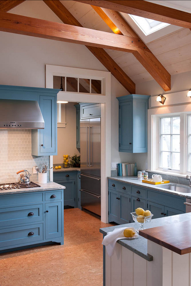 Farrow & Ball Stone Blue. The color of the kitchen cabinets is Farrow & Ball Stone Blue. #Farrow&Ball #StoneBlue.