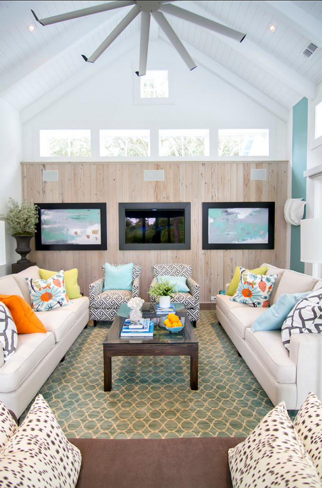Family Room. Coastal Transitional Fmaily Room. #FamilyRoom #TransitionalInteriors