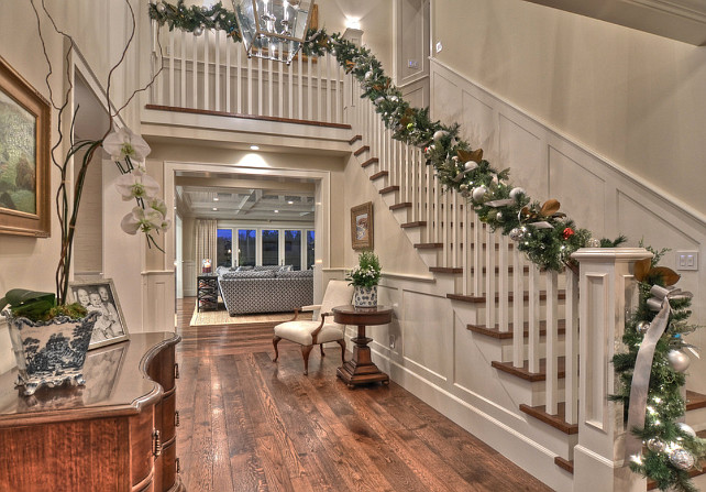 Foyer Christmas Decor Ideas. #FoyerChristmasDecor Spinnaker Development.