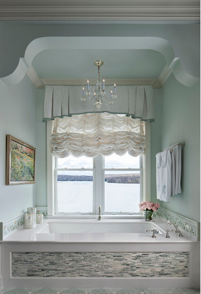 Bathroom. Traditional Bathroom Design. Bathroom with a view. #Bathroom #BathroomDesign #TraditionalBathroom