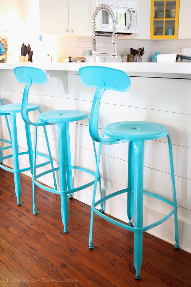 Kitchen Decor Ideas. Great Turquoise Kitchen Decor. #Kitchen #KitchenDecor #TurquoiseDecor Via House of Turquoise. Designed by Jane Coslick.