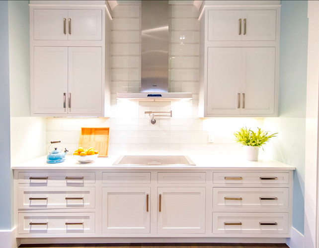 Kitchen. Transitional White Kitchen. #Kitchen #TransitionalKitchen #WhiteKitchen