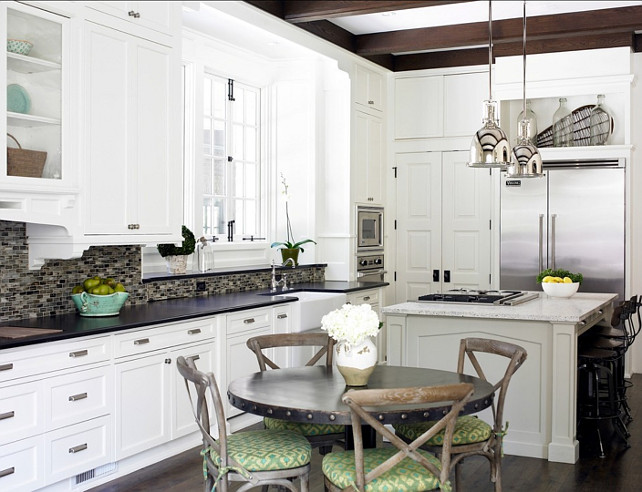 Kitchen. White Kitchen. Transitional White Kitchen Design. #WhiteKitchen #TransitionalKitchen #KitchenDesign Designed by Brian Watford ID.