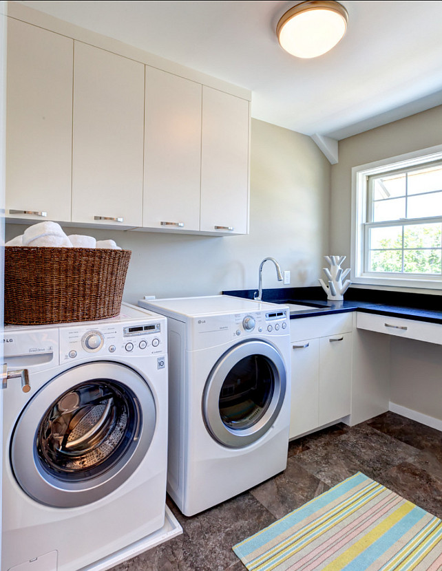 Laundry Room. Laundry Room Design Ideas. #laundryRoom #laundryRoomDesignIdeas #ModernLaundryRoom #TransitionalLaundryRoom AMEK Custom Builders