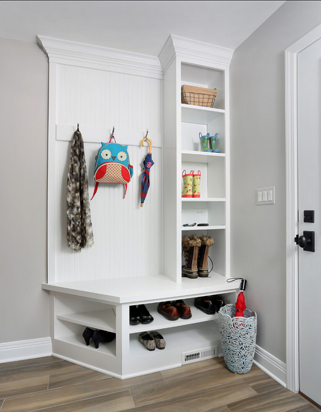 Mudroom. Small Mudroom Ideas. Small Mudroom Built-in. Small Mudroom Storage Ideas. #Mudroom
