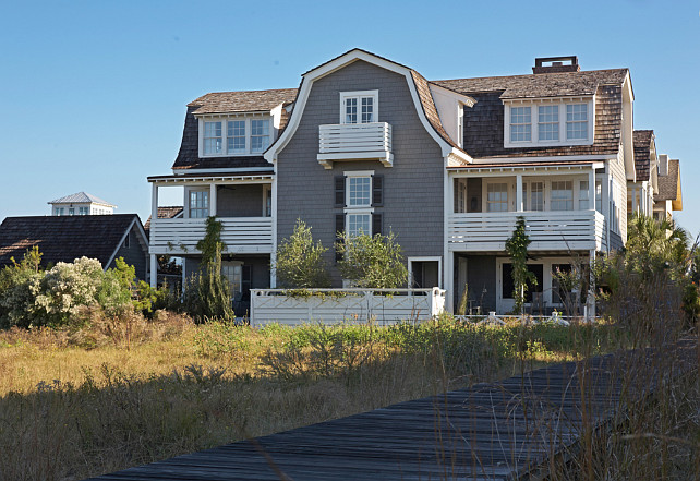 Shingle Beach House Ideas. McAlpine Tankersley Architecture.