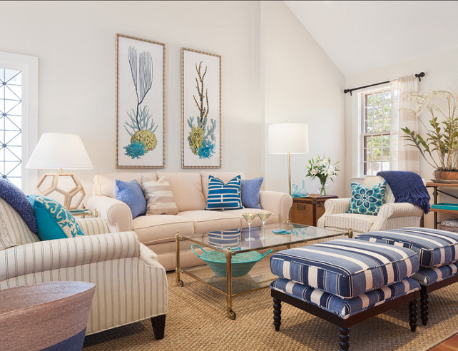 Living Room Furniture Layout. Blue and white Living Room. #Blueandwhite #Livingroom