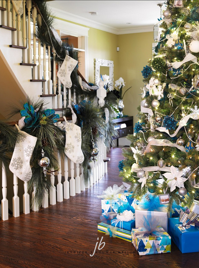 Staircase Christmas Decor Ideas. #Staircase #Stairwell #ChristmasDecor Jennifer Brouwer Design Inc.