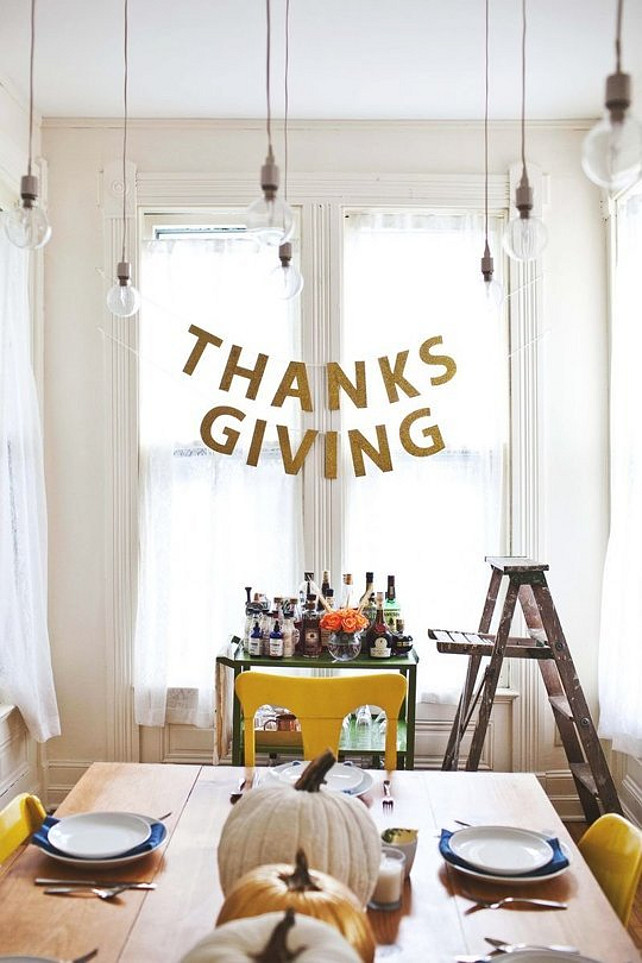 Thankgiving Ideas. Casual Thankgiving Dinner Ideas. Via Apartment Therapy.