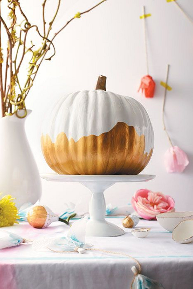 Thanksgiving Centerpiece Ideas. #ThanksgivingCenterpiece Via Chatelaine Magazine.