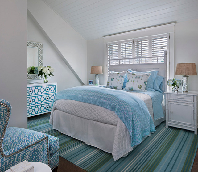 Turquoise. Bedroom with white and turquoise decor. #Turquoise #Bedroom #TurquoiseDecor Designed by Cottage Company Interiors.