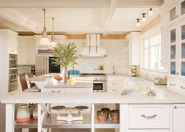 White Kitchen. White Kitchen Design. Classic White Kitchen. #Kitchen #WhiteKitchen #ClassicWhiteKitchen Alice Black Interiors.